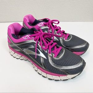 Brooks GTS 16 Gray Pink Running Shoes size 11